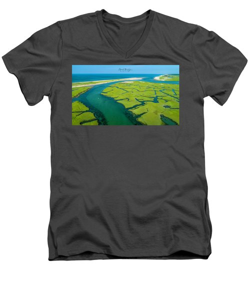 Nature Kayaking Men's V-Neck T-Shirt