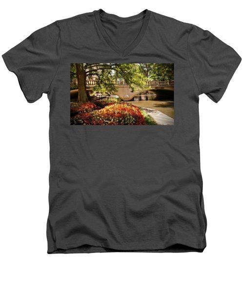Men's V-Neck T-Shirt featuring the photograph Navarro Street Bridge by Steven Sparks