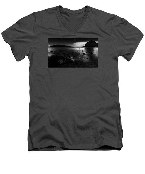 Near Le Morne Men's V-Neck T-Shirt