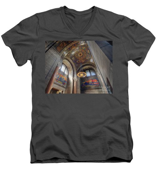 Nebraska State Capitol Men's V-Neck T-Shirt