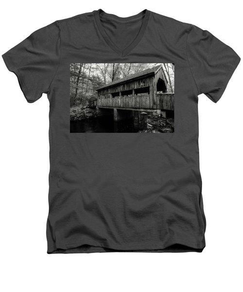 New England Covered Bridge Men's V-Neck T-Shirt