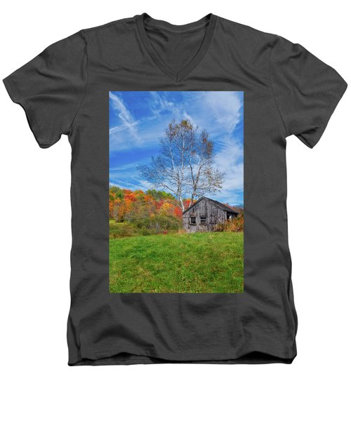 New England Fall Foliage Men's V-Neck T-Shirt