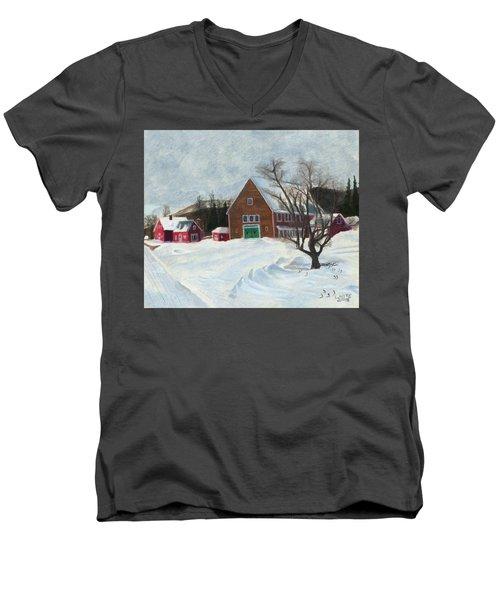 New Hampshire Farm In Winter Men's V-Neck T-Shirt