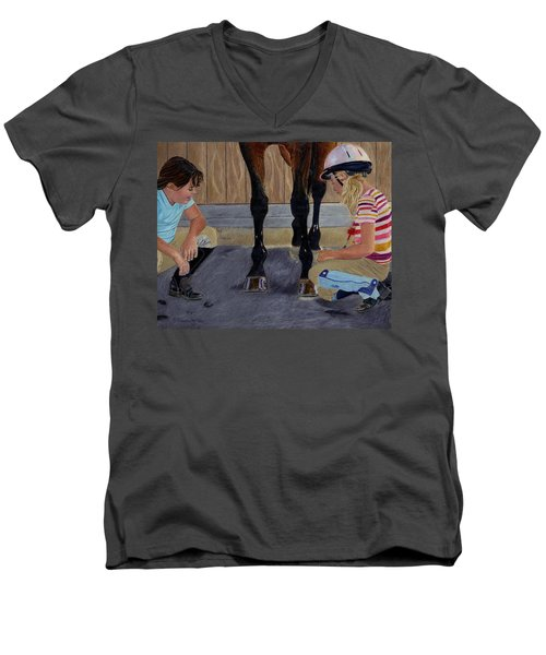 New Shoe Review Horse And Children Painting Men's V-Neck T-Shirt