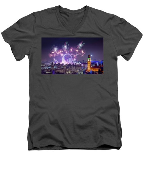 New Year Fireworks London Men's V-Neck T-Shirt