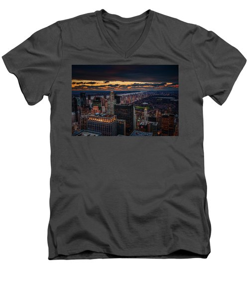 New York Gold Men's V-Neck T-Shirt