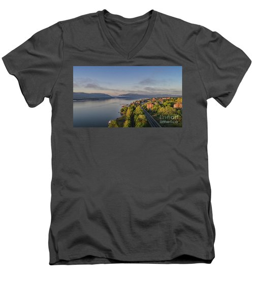 Newburgh Waterfront Looking South Men's V-Neck T-Shirt