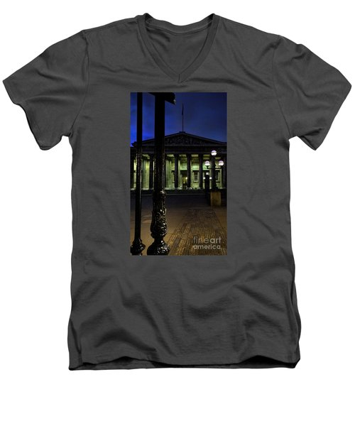 Night At The Museum Men's V-Neck T-Shirt