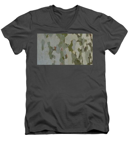 No Camouflage Men's V-Neck T-Shirt