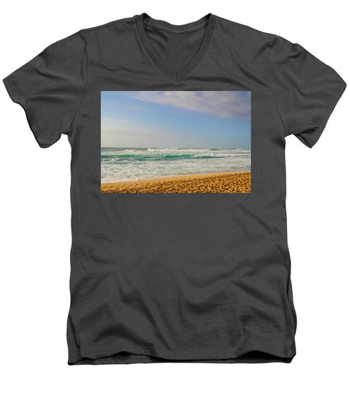 North Shore Waves In The Late Afternoon Sun Men's V-Neck T-Shirt