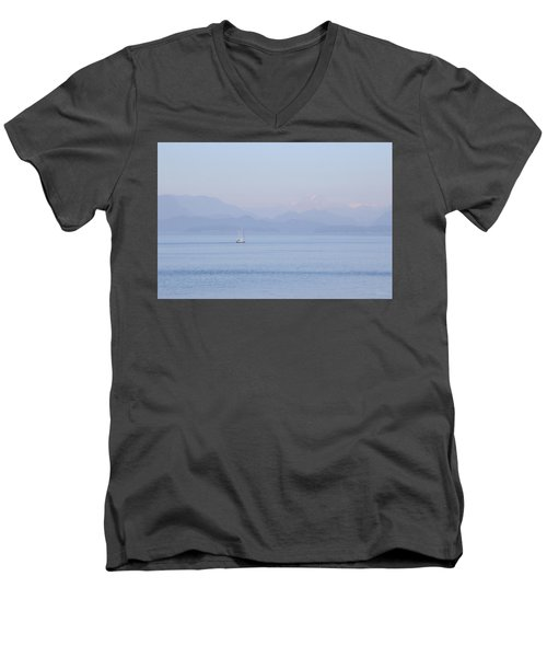 Northshore Sailing Men's V-Neck T-Shirt