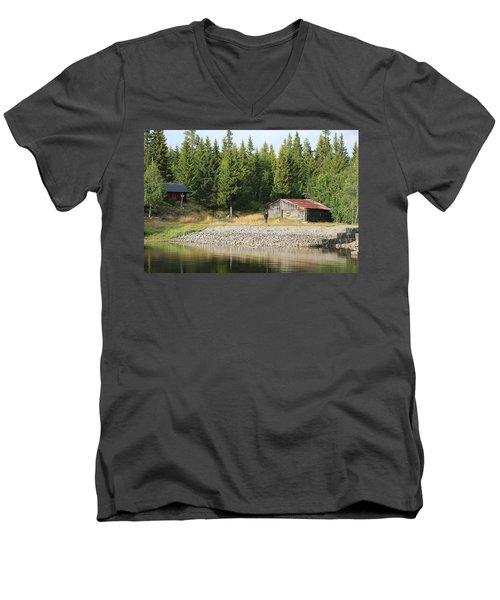 Norwegian Forrest Men's V-Neck T-Shirt
