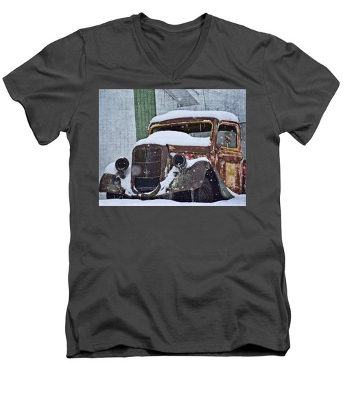 Not Moving Men's V-Neck T-Shirt