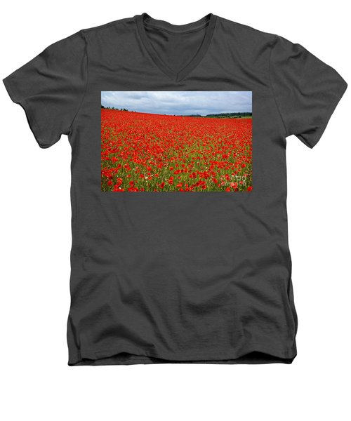 Nottinghamshire Poppy Field Men's V-Neck T-Shirt