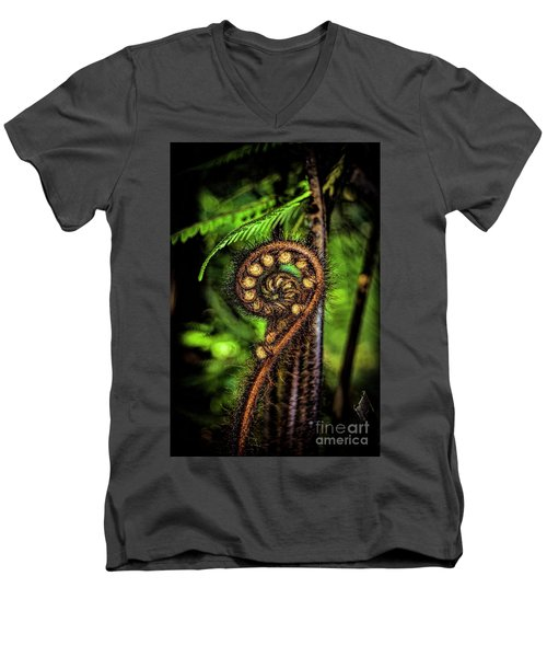 Nz Koru Men's V-Neck T-Shirt