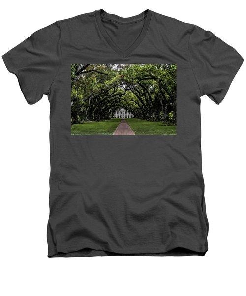 Oak Alley Plantation, Vacherie, Louisiana Men's V-Neck T-Shirt