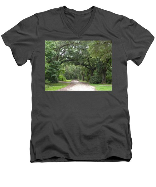Oak Laden Back Road Men's V-Neck T-Shirt