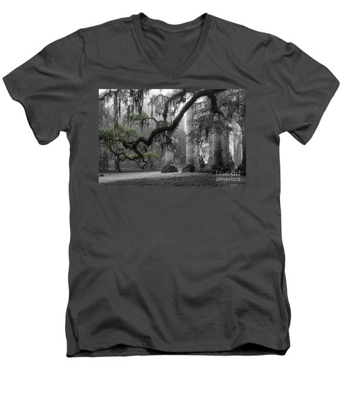 Oak Limb At Old Sheldon Church Men's V-Neck T-Shirt