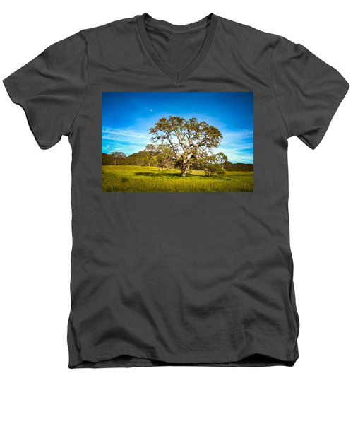 Oak Tree Green Meadow Moon Rising Men's V-Neck T-Shirt