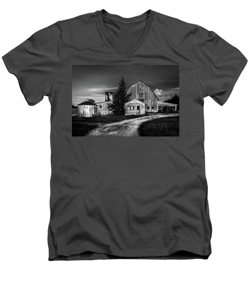 Ohio Barn At Sunrise Men's V-Neck T-Shirt