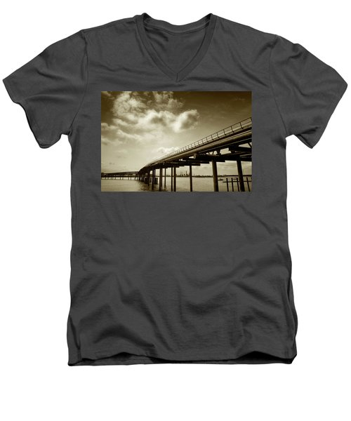 Oil Bridge II Men's V-Neck T-Shirt