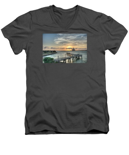 Oil Rig In Gulf Men's V-Neck T-Shirt
