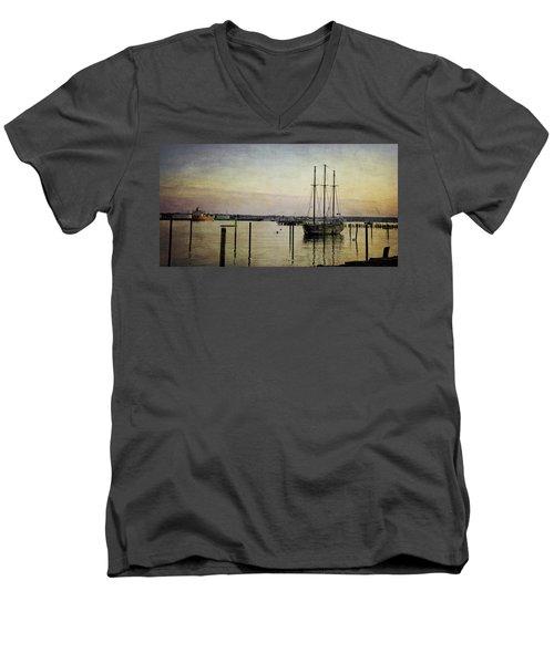 Old And New Men's V-Neck T-Shirt