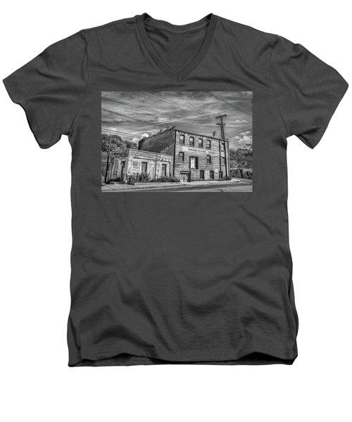 Old Asheville Building Men's V-Neck T-Shirt