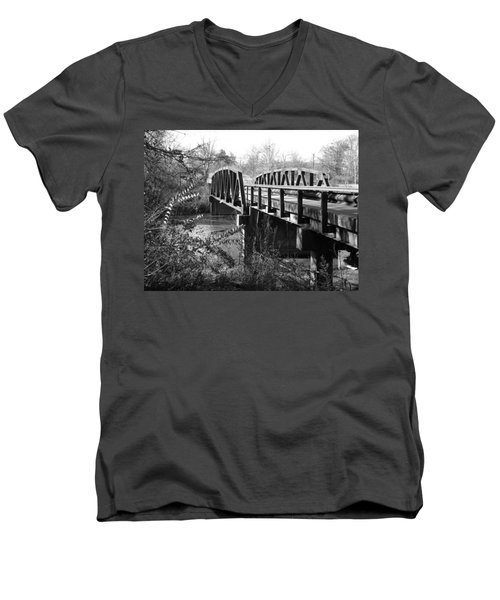 Old Bridge Men's V-Neck T-Shirt