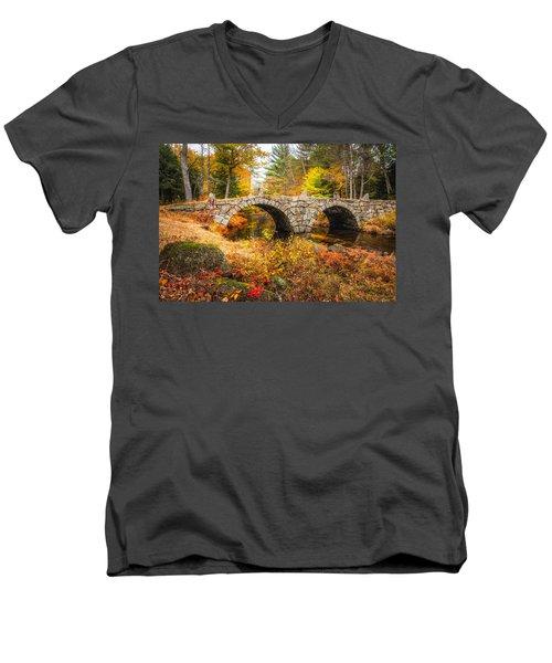 Old Carr Bridge Men's V-Neck T-Shirt