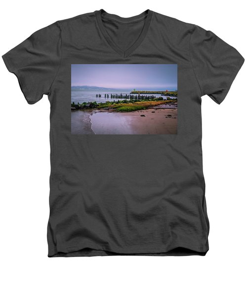 Old Columbia River Docks Men's V-Neck T-Shirt