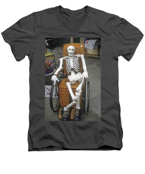 Old Deadheads Never Die Men's V-Neck T-Shirt