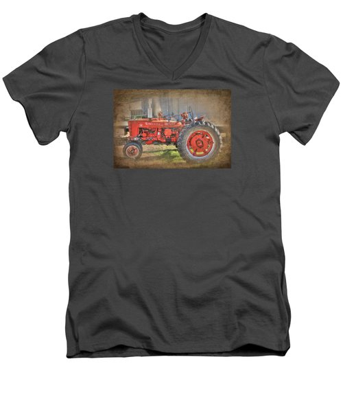 Old Faithful Men's V-Neck T-Shirt