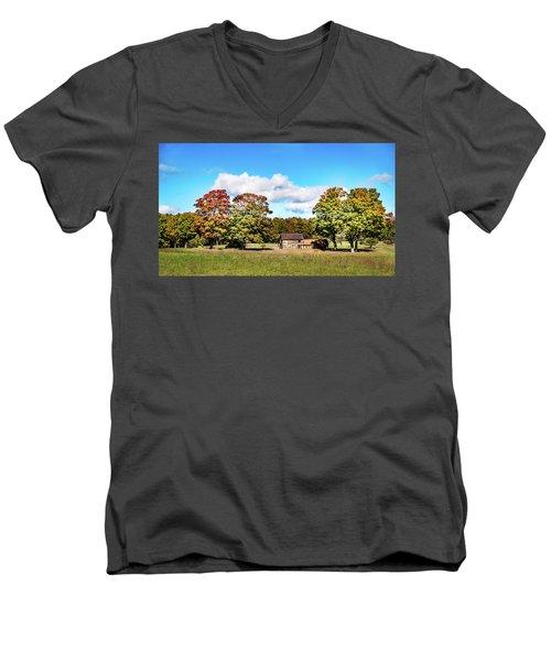 Old Farm House Men's V-Neck T-Shirt