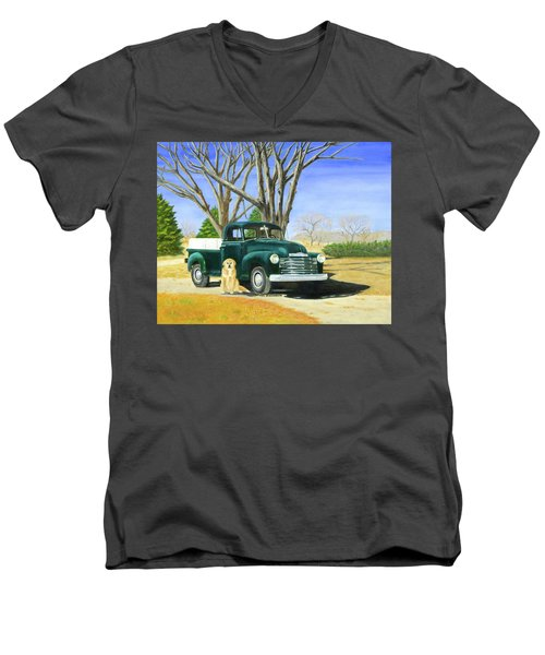 Old Farmhands Men's V-Neck T-Shirt