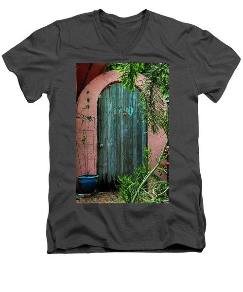 Old Florida 7 Men's V-Neck T-Shirt