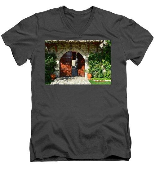 Old House Door Men's V-Neck T-Shirt