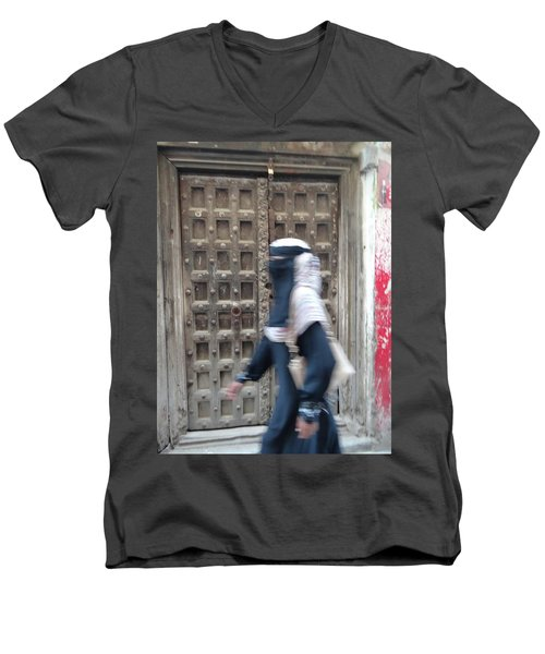 Old Lamu Town Muslim Woman Walking Men's V-Neck T-Shirt