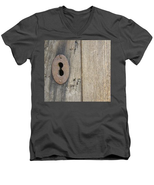 Old Lock Men's V-Neck T-Shirt