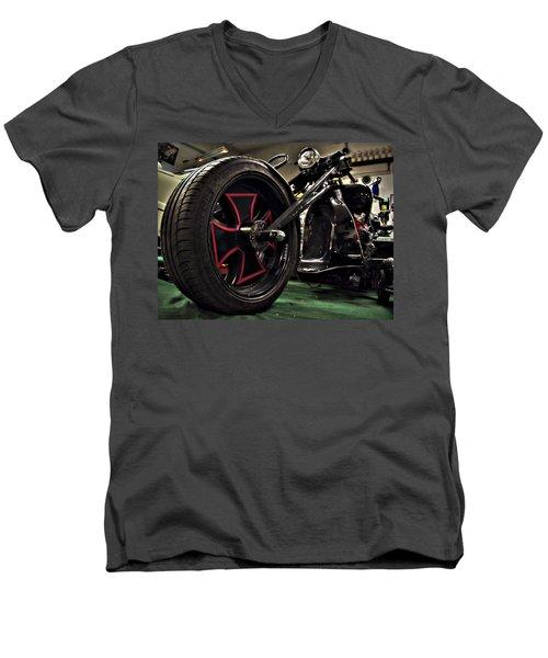 Old Motorbike Men's V-Neck T-Shirt