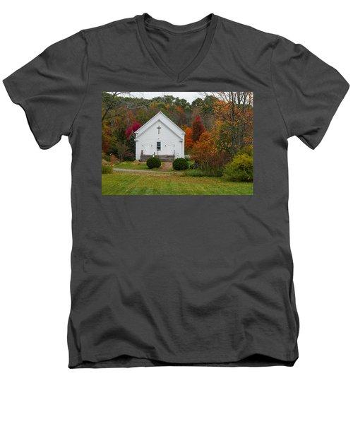 Old New England Church Men's V-Neck T-Shirt