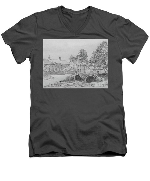 Old Packhorse Bridge Wycoller Men's V-Neck T-Shirt