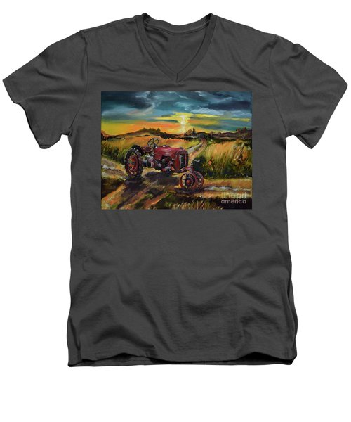 Old Red At Sunset - Tractor Men's V-Neck T-Shirt