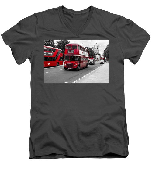 Old Red Bus Bw Men's V-Neck T-Shirt