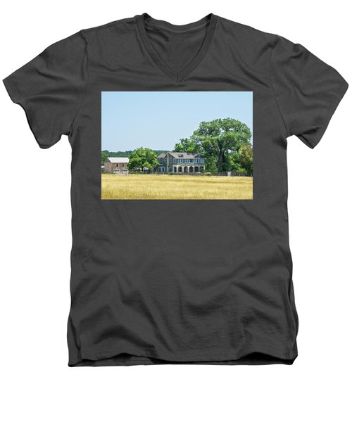 Old Texas Farm House Men's V-Neck T-Shirt