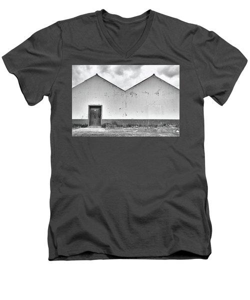 Old Warehouse Exterior Men's V-Neck T-Shirt