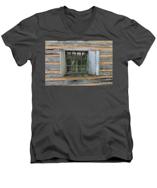 Old Window Men's V-Neck T-Shirt