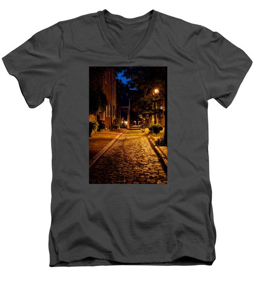 Men's V-Neck T-Shirt featuring the photograph Olde Town Philly Alley by Mark Dodd