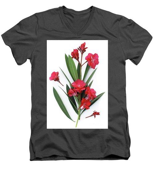 Oleander Geant Des Batailles 2 Men's V-Neck T-Shirt