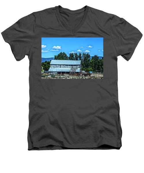 On The Farm Men's V-Neck T-Shirt